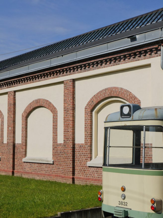 Start der Radtour am Straßenbahnmuseum Thielenbruch