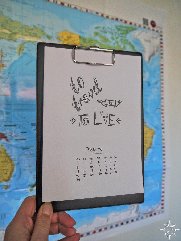 freebie-kalender-travelquotes-handlettering